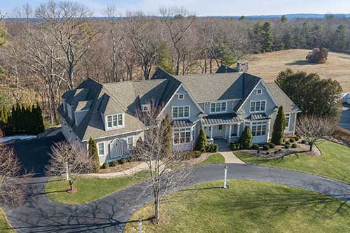 44 Fieldstone Farm Road Listed by Diana and Avery Chaplin