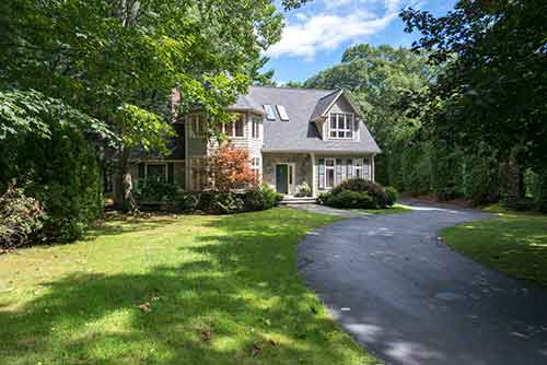 12 Graystone Lane Listed by Diana and Avery Chaplin